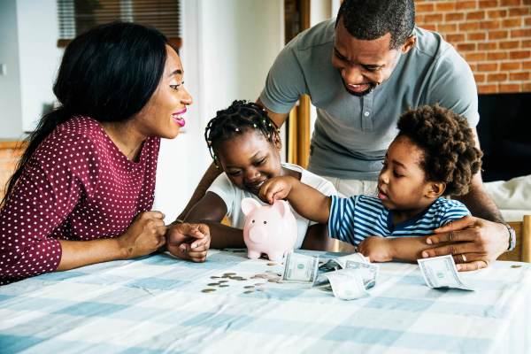 Parlare di soldi ai figli è fondamentale